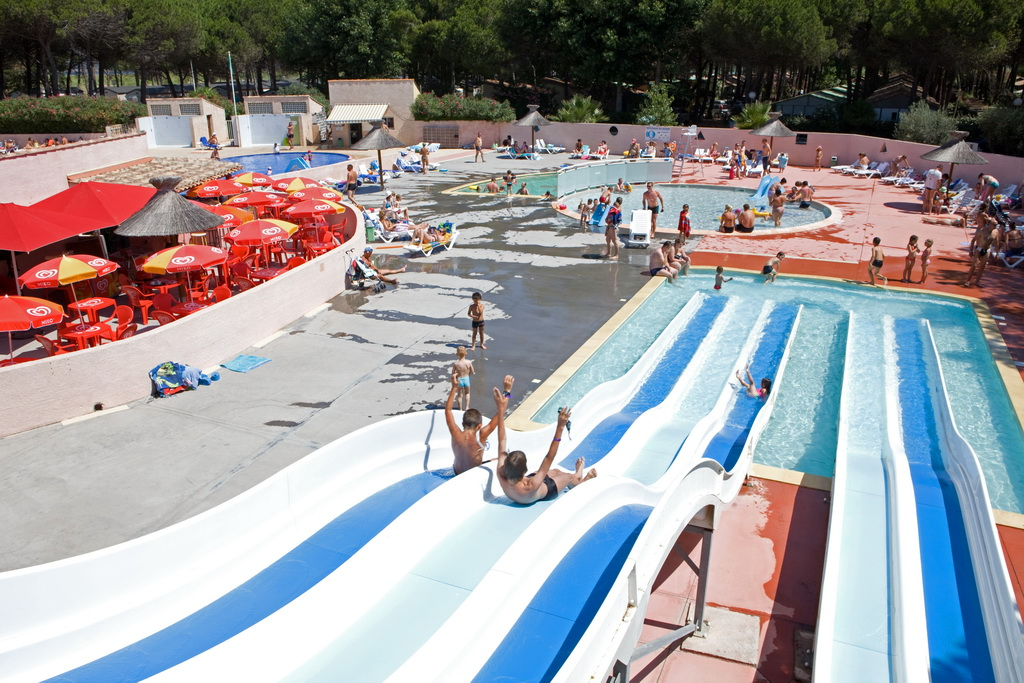 Camping s te 4 toiles for Piscine fonquerne sete