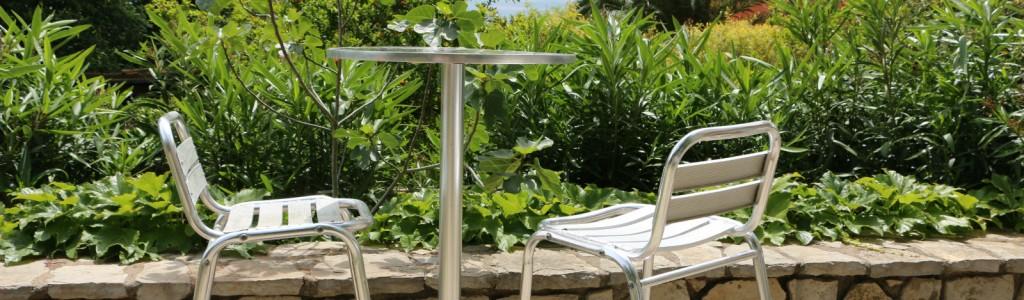 yourte 2 chaises petit dej