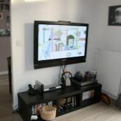 maison face etang coin tv
